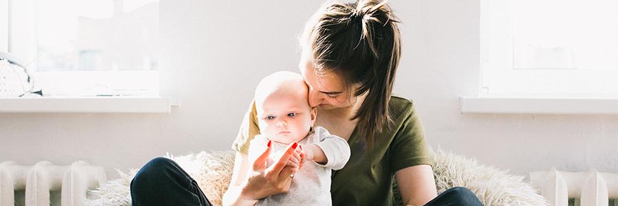 Los 5 beneficios que puede aportar una niñera a nuestros hijos
